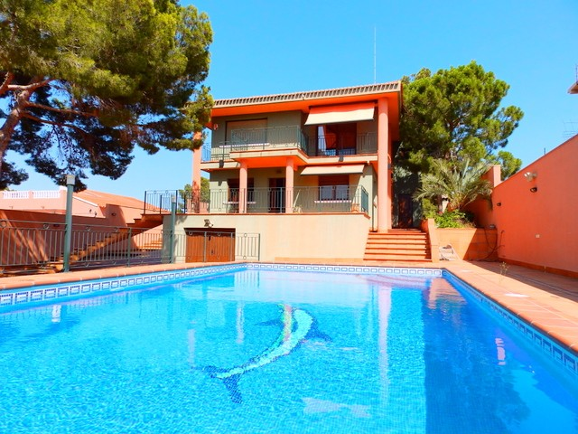 Los Balcones Villa For Sale - €895,000