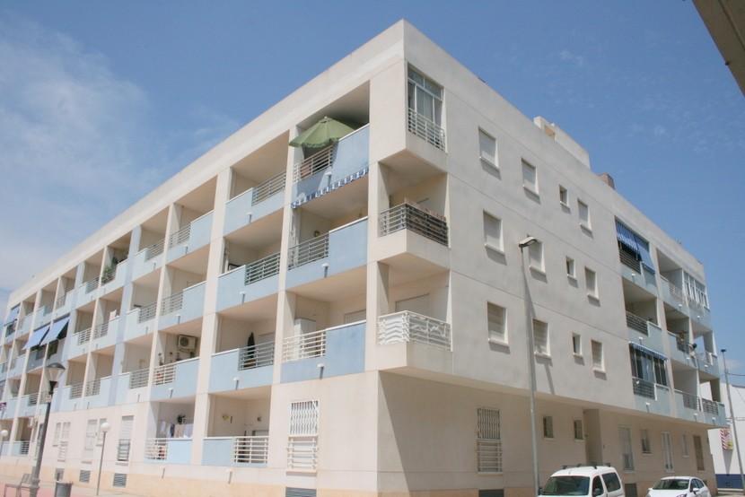 Apartment in Almoradi - €65,000 - Ref:26