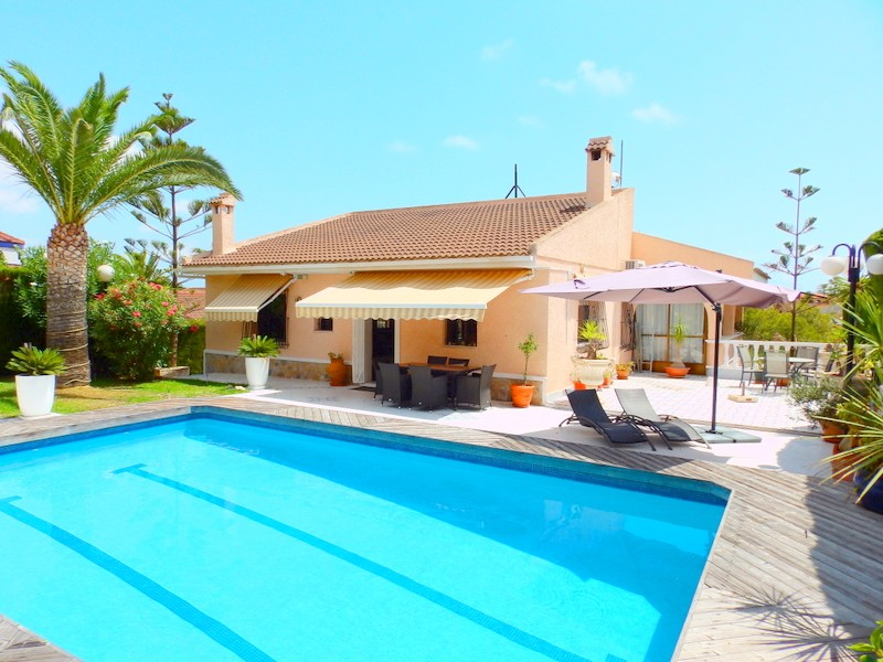 Los Balcones Villa For Sale - €570,000