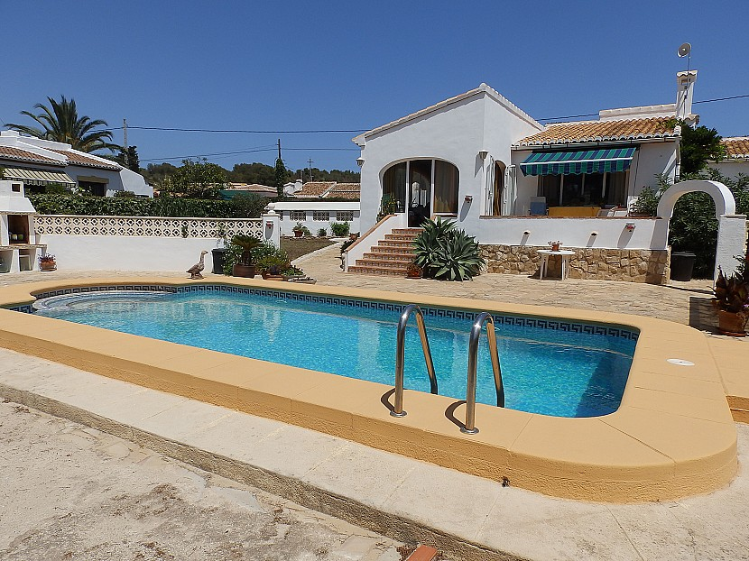 Javea Villa For Sale - €390,000