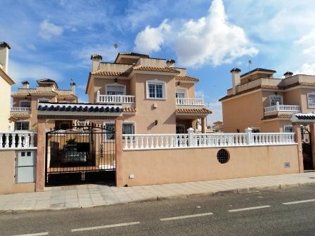 Pinar de Campoverde Villa For Sale - €240,000