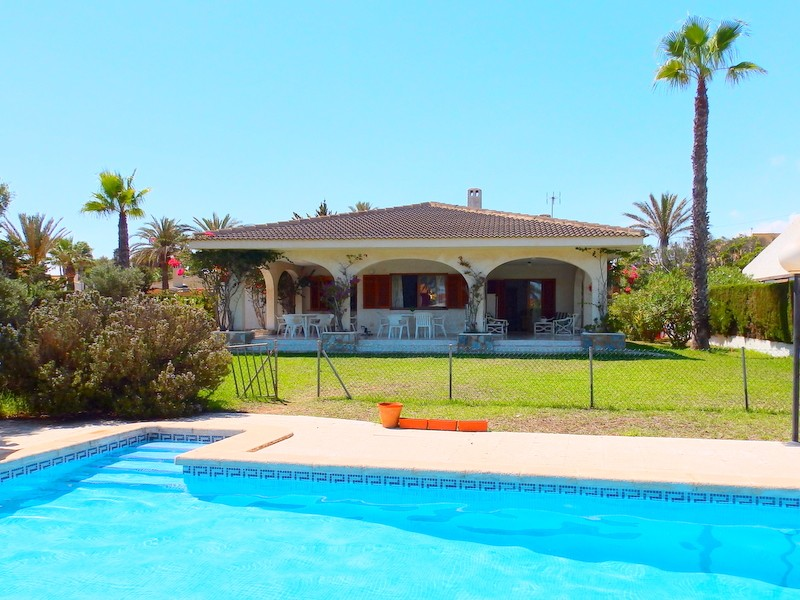 Cabo Roig Villa For Sale - €895,000