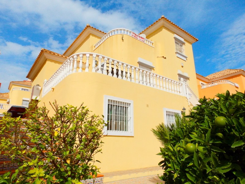 Villamartin Villa For Sale - €182,000