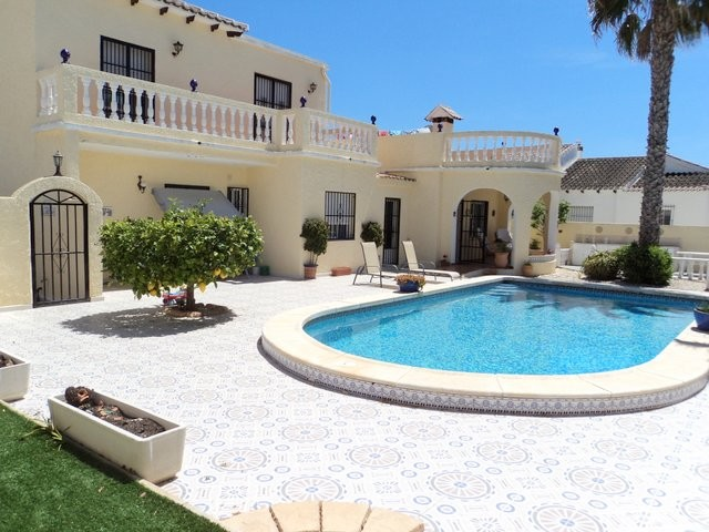 Villamartin Villa For Sale - €295,000