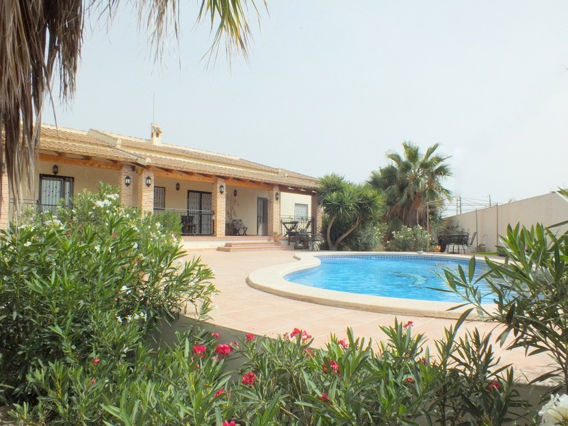 Catral Villa For Sale - €239,000