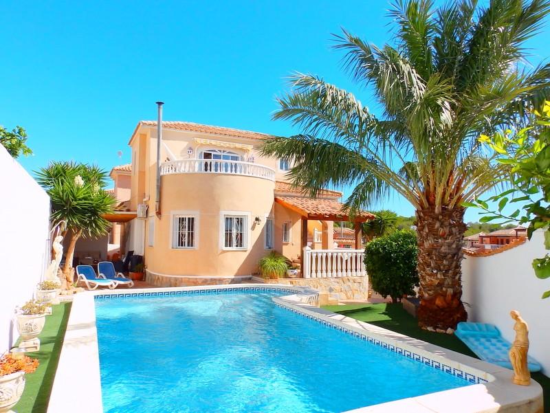 Villa in Pinar de Campoverde - €239,950 - Ref:803