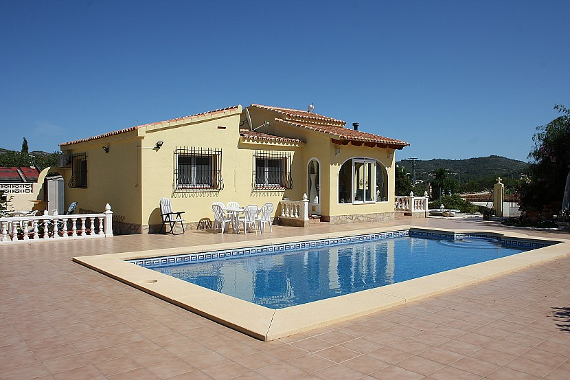 Jalon Valley Villa For Sale - €299,950