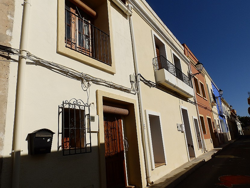 Tormos Townhouse For Sale - €99,950