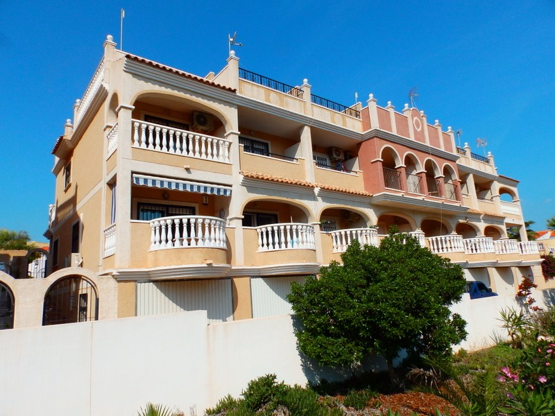 Villamartin Townhouse For Sale - €99,950