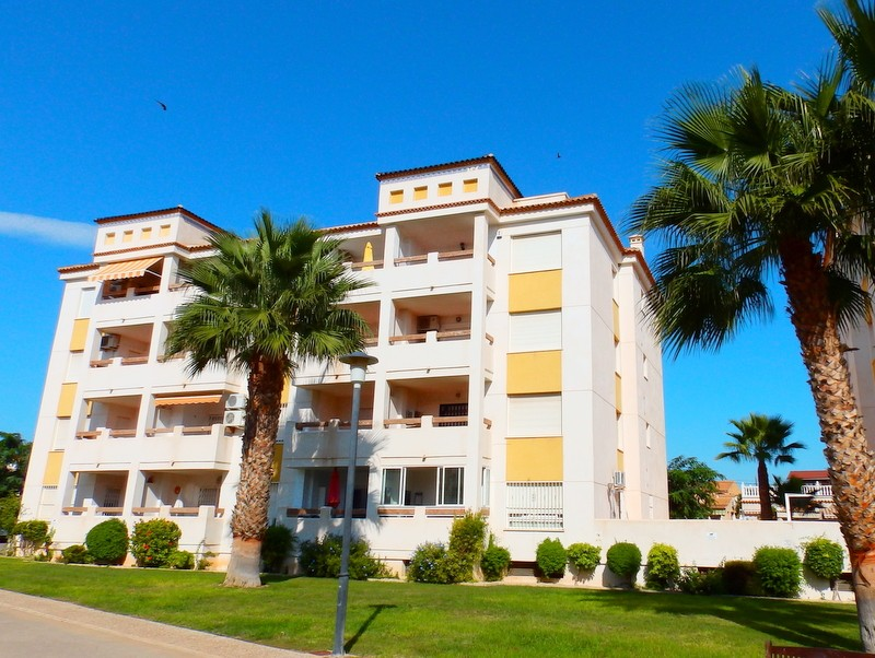 Playa Flamenca Penthouse For Sale - €112,000