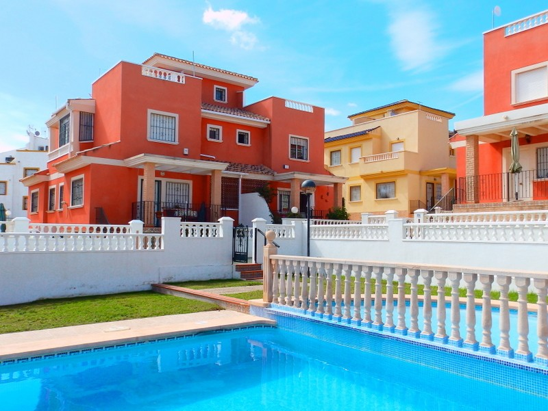 Los Balcones Townhouse For Sale - €119,995