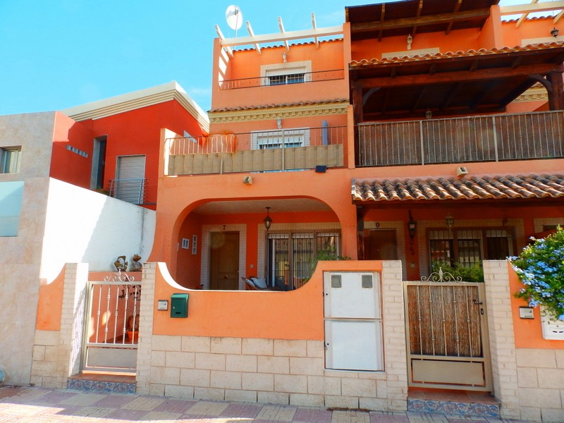 Townhouse in Jacarilla - €125,000 - Ref:285