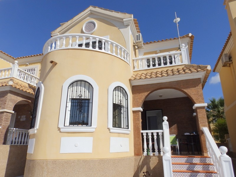 Villamartin Villa For Sale - €149,995