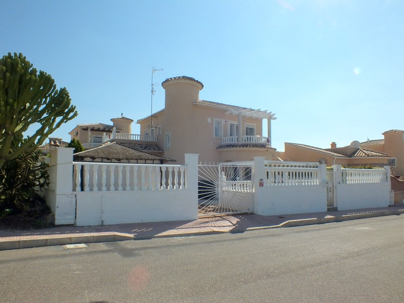 Benijofar Villa For Sale - €235,000