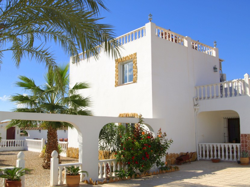 Gea y Truyols Villa For Sale - €478,000