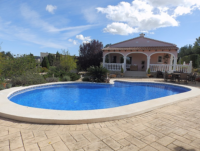 Jalon Valley Villa For Sale - €365,000
