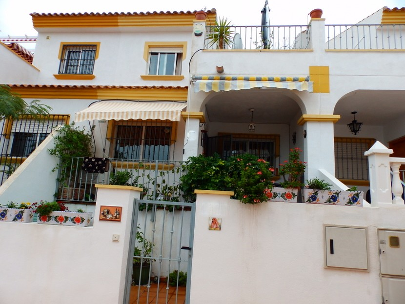 Los Altos Townhouse For Sale - €114,950