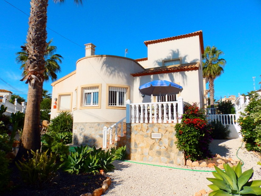 Villamartin Villa For Sale - €198,000