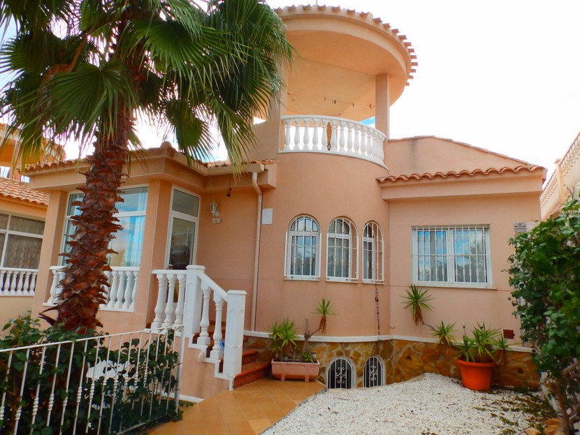 Villamartin Villa For Sale - €169,995