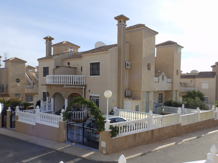 Villamartin Townhouse For Sale - €145,000