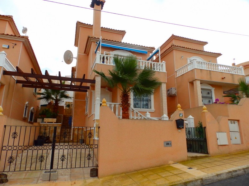 Villamartin Villa For Sale - €129,995