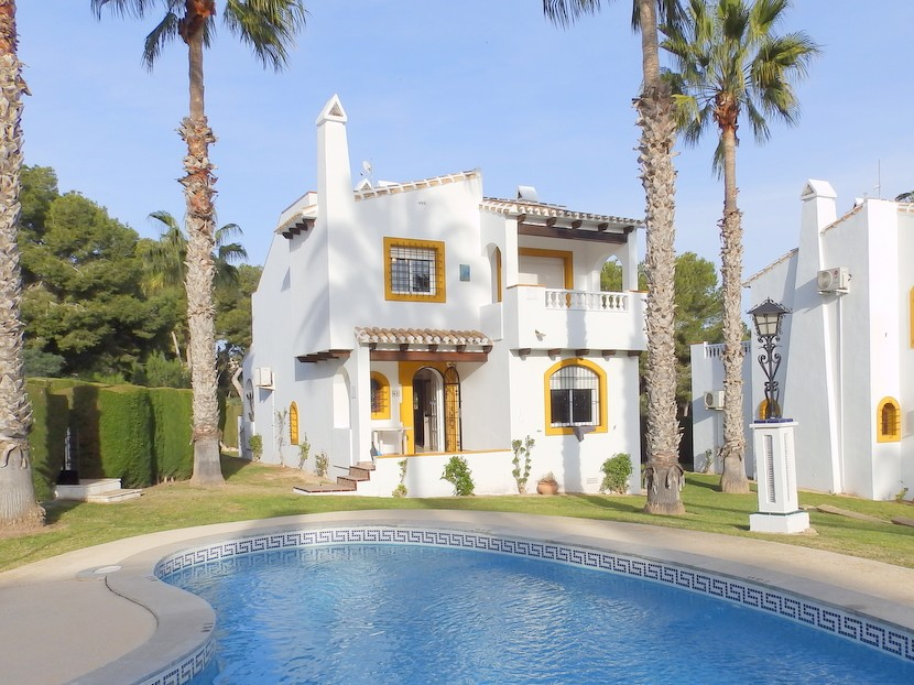 Villamartin Villa For Sale - €319,995