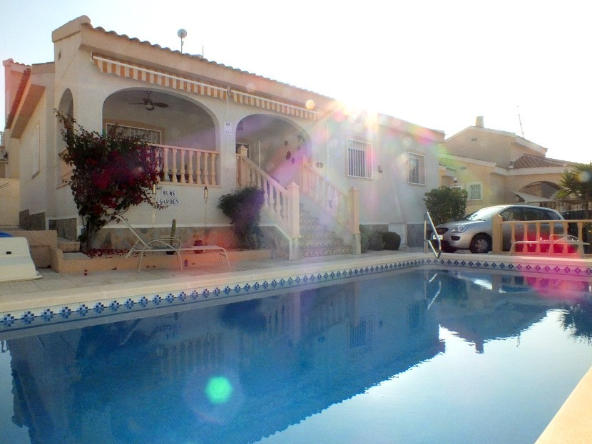Rojales Villa For Sale - €194,950