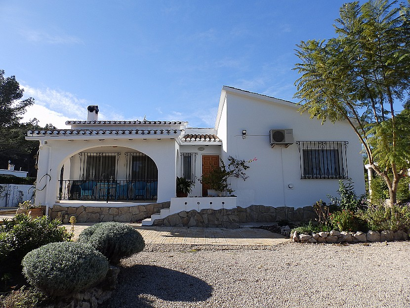 Benidoleig Villa For Sale - €245,000