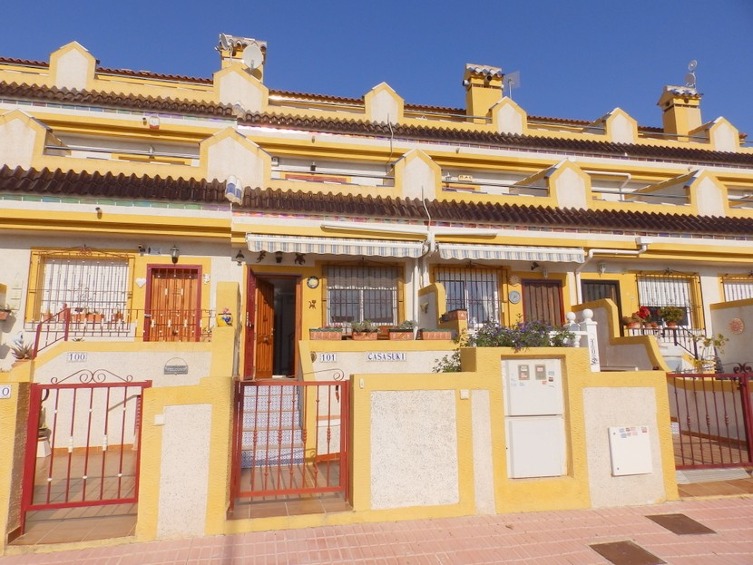 Townhouse in Playa Flamenca - €96,000 - Ref:137