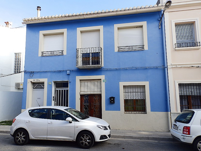 BeniarbeigTownhouse For Sale - €180,000