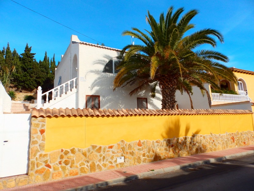 Villamartin Villa For Sale - €169,000