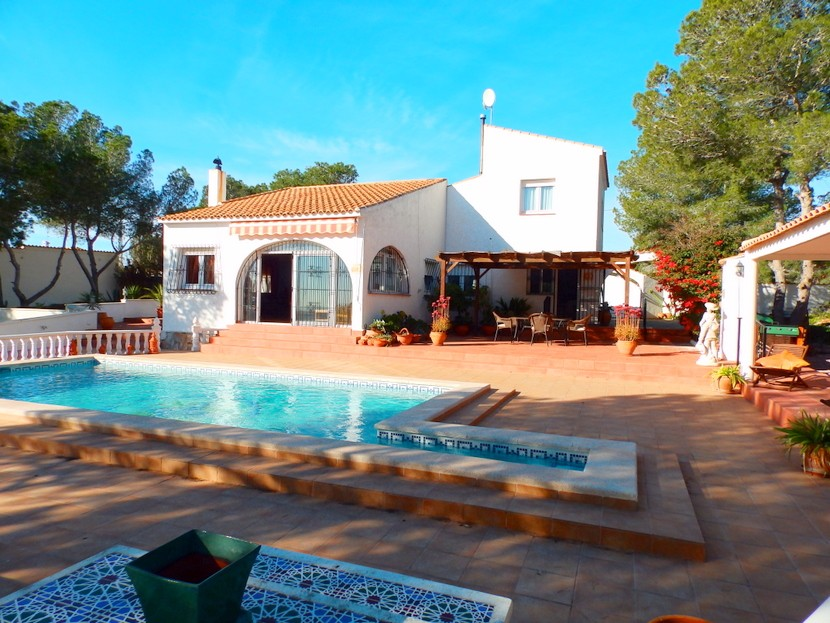 Pinar de Campoverde Villa For Sale - €445,000
