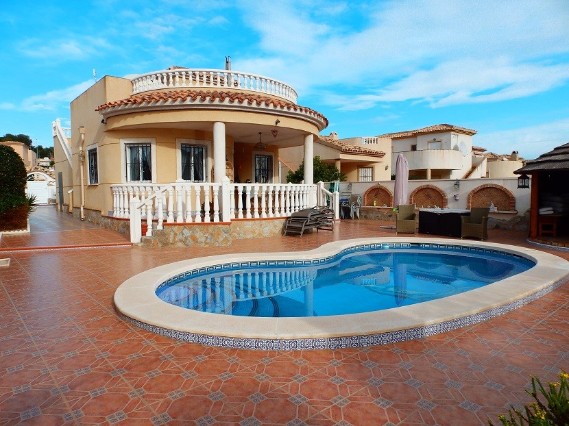 Pinar de Campoverde Villa For Sale - €239,000