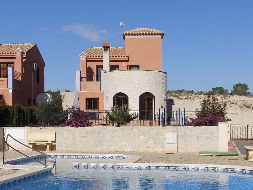 Villa in San Miguel de Salinas - €199,995 - Ref:683