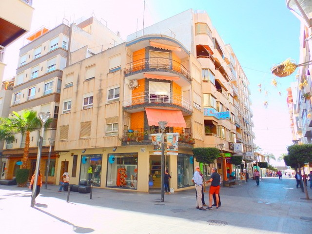 Torrevieja Apartment For Sale - €105,000