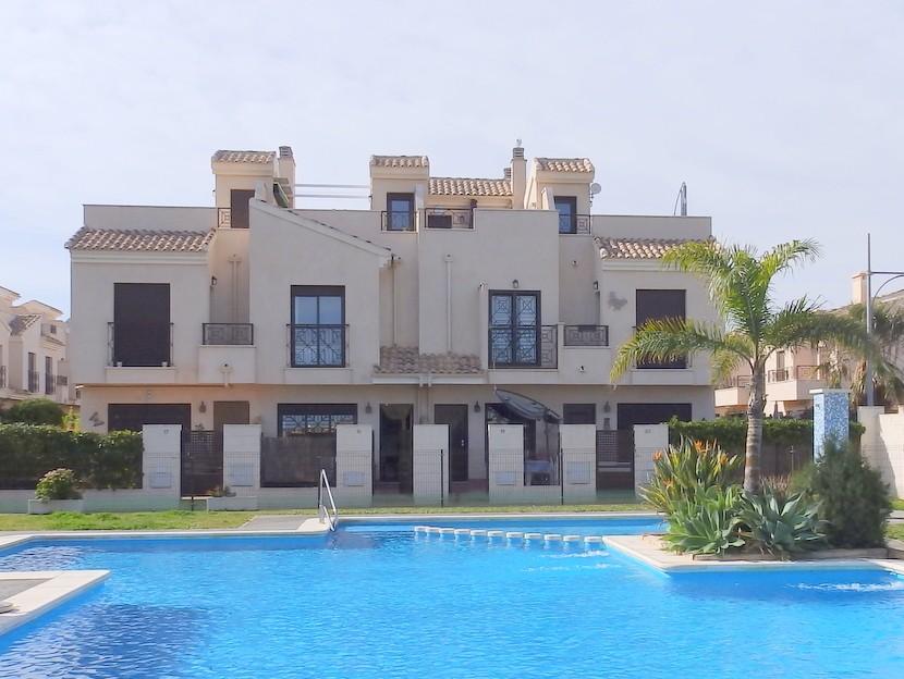 San CayetanoTownhouse For Sale - €117,000