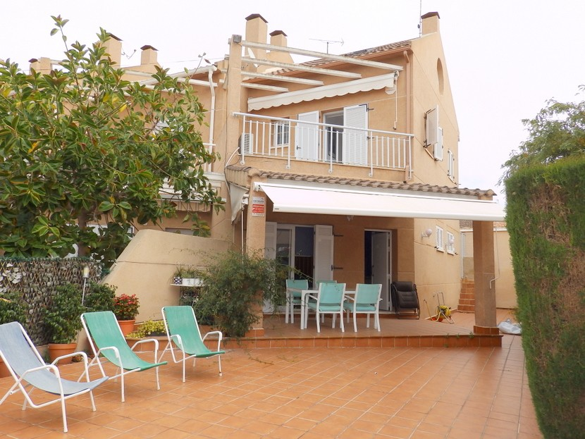 Santiago de la RiberaTownhouse For Sale - €249,000