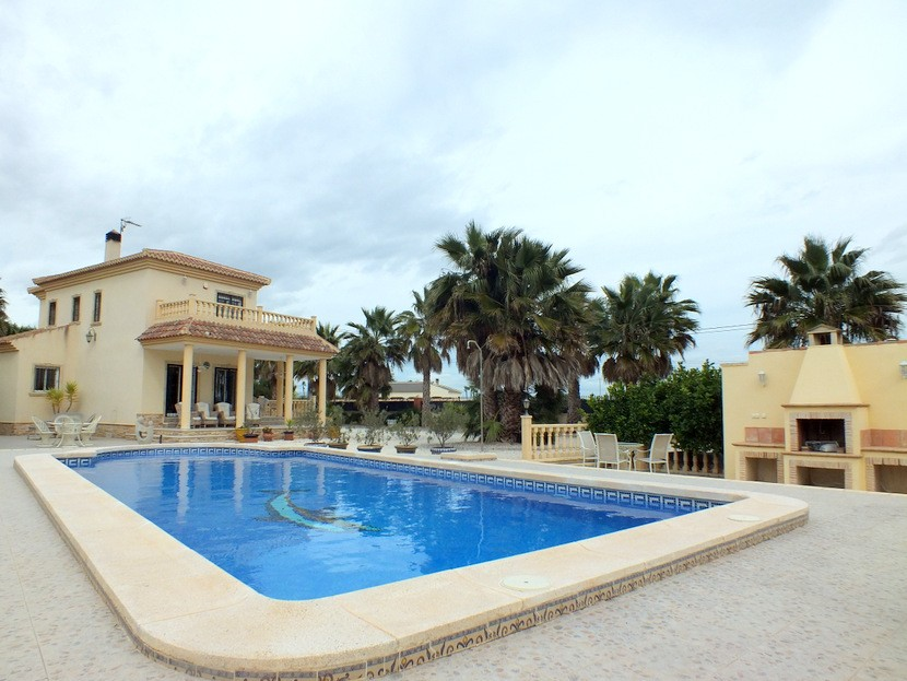 Catral Villa For Sale - €375,000