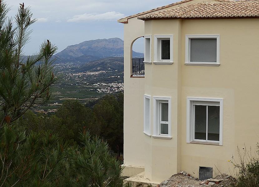 Villa - €239,500 - Ref:801