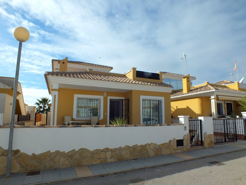 Los Montesinos Villa For Sale - €120,000