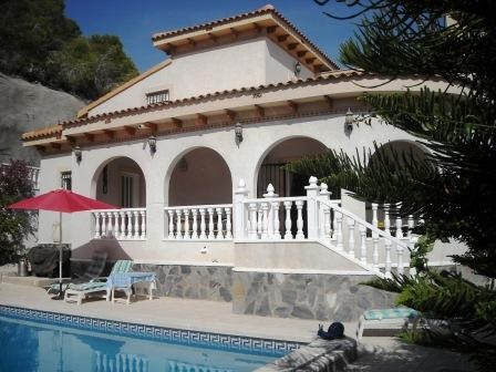 San Miguel de Salinas Villa For Sale - €295,000
