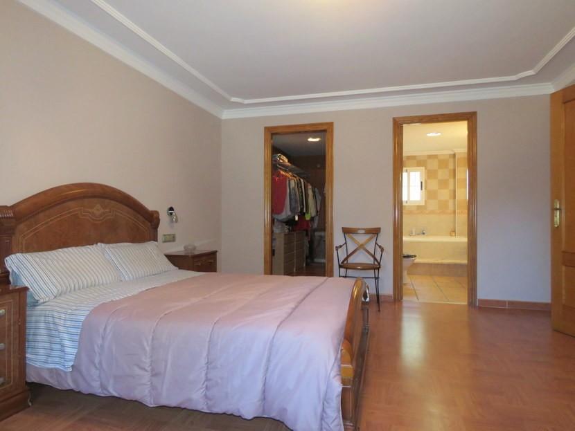 Master bedroom - 4 bedrooms 3 bathroom Olocau