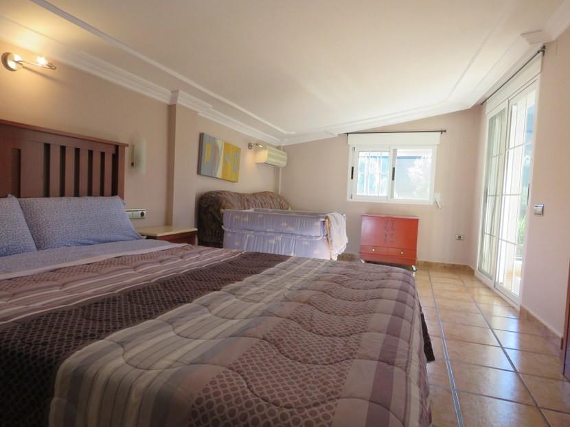 2nd bedroom - 4 bedroom 3 bathroom Olocau