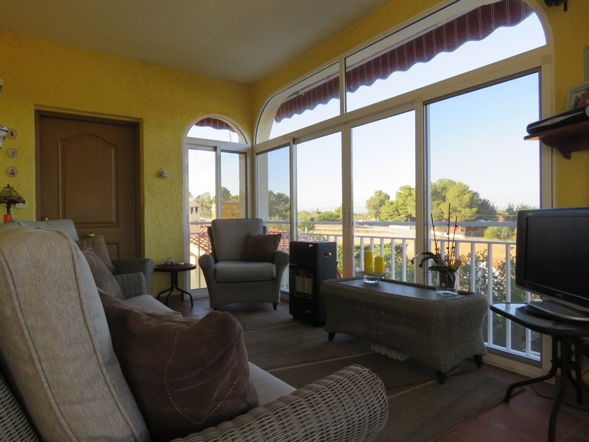 Glassed off terrace  - 4 bed 1 bath Villa Vilamarchante