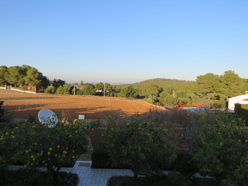Views from glassed off terrace  - 4 bed 1 bath Villa Vilamarchante
