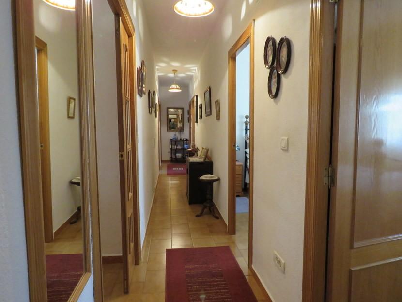 Corridor  - 4 bed 1 bath Villa Vilamarchante