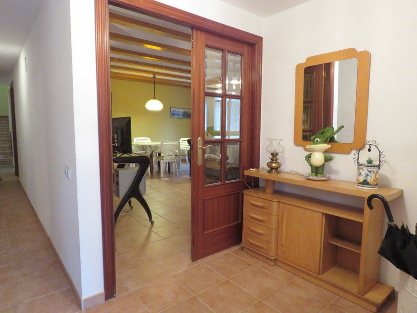 Entrance hall  - 4 bedroom 2 bathroom villa Villamarchante