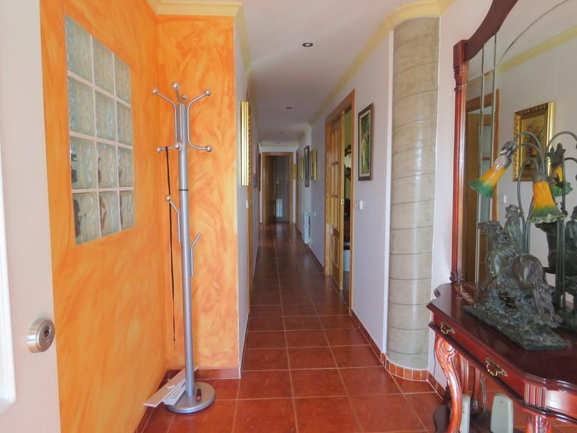 Entrance  - 3 bed 3 bath Villamarchante