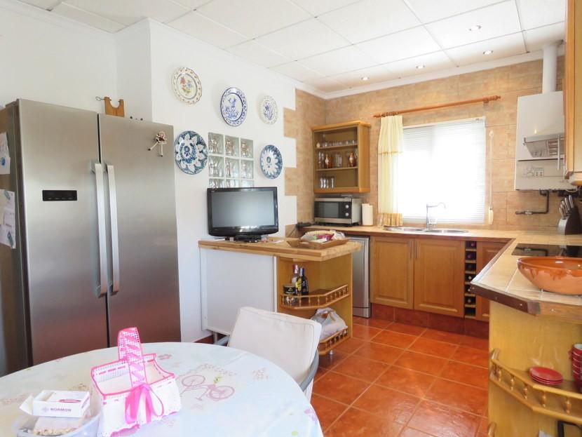 Kitchen  - 3 bed 3 bath Villamarchante