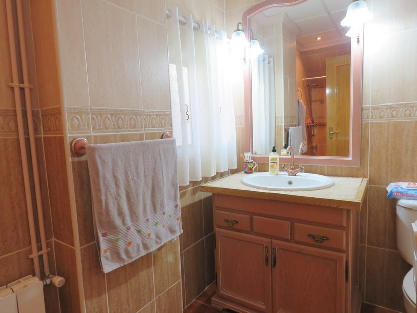 Family bathroom  - 3 bed 3 bath Villamarchante